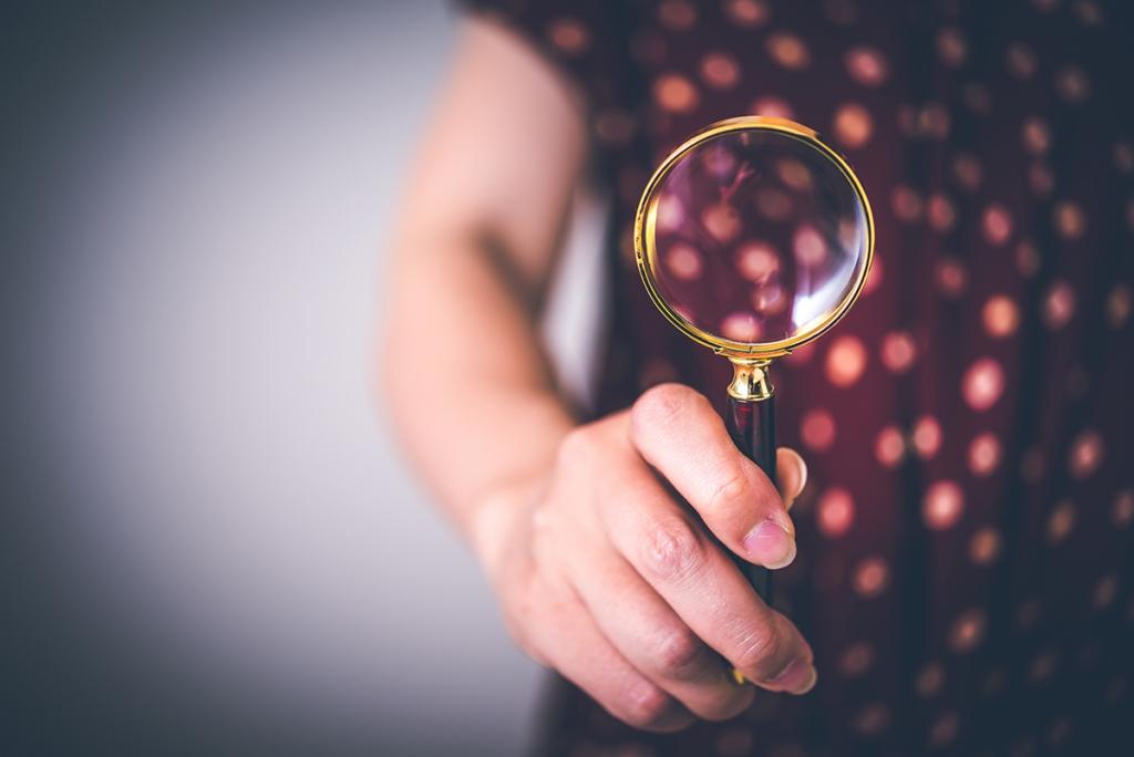 虫眼鏡で探すイメージ